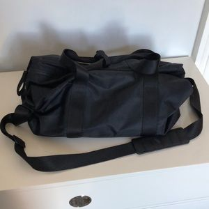 292566e32211 lululemon athletica Bags - 💥SALE💥 Lululemon Black Fast Track Duffle Gym  Bag
